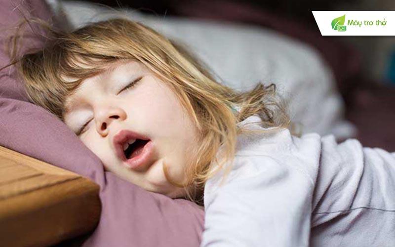 Há miệng khi ngủ là hiện tượng gì và có nguy hiểm không